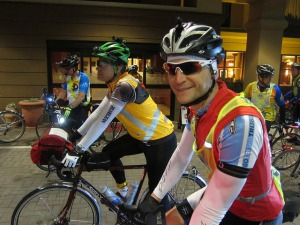 Damon and I at the ride start.  I'm the one not looking happy. (Photo courtesy of Bill Beck)
